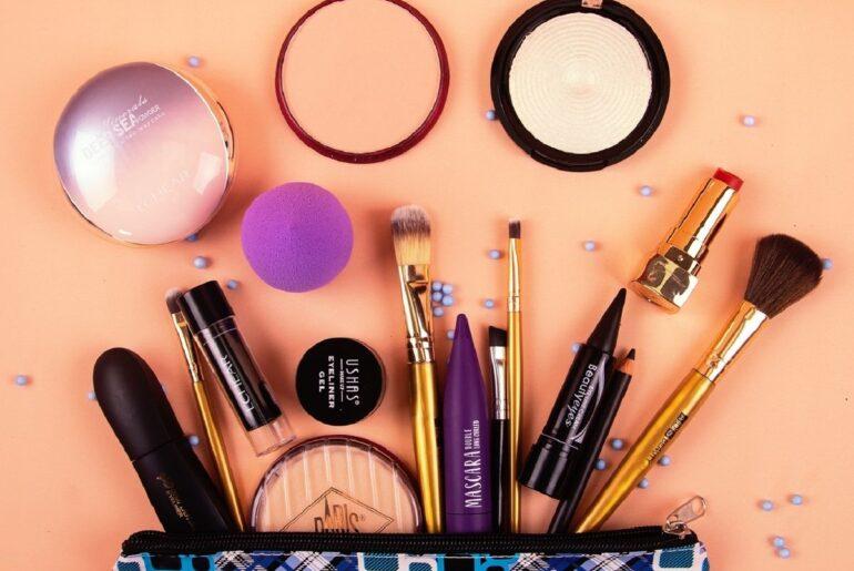 Lista de Maquiagem para Iniciantes